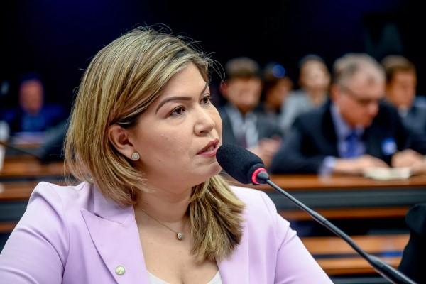Aline Gurgel diz que a Reforma da Previdência vai prejudicar os trabalhadores