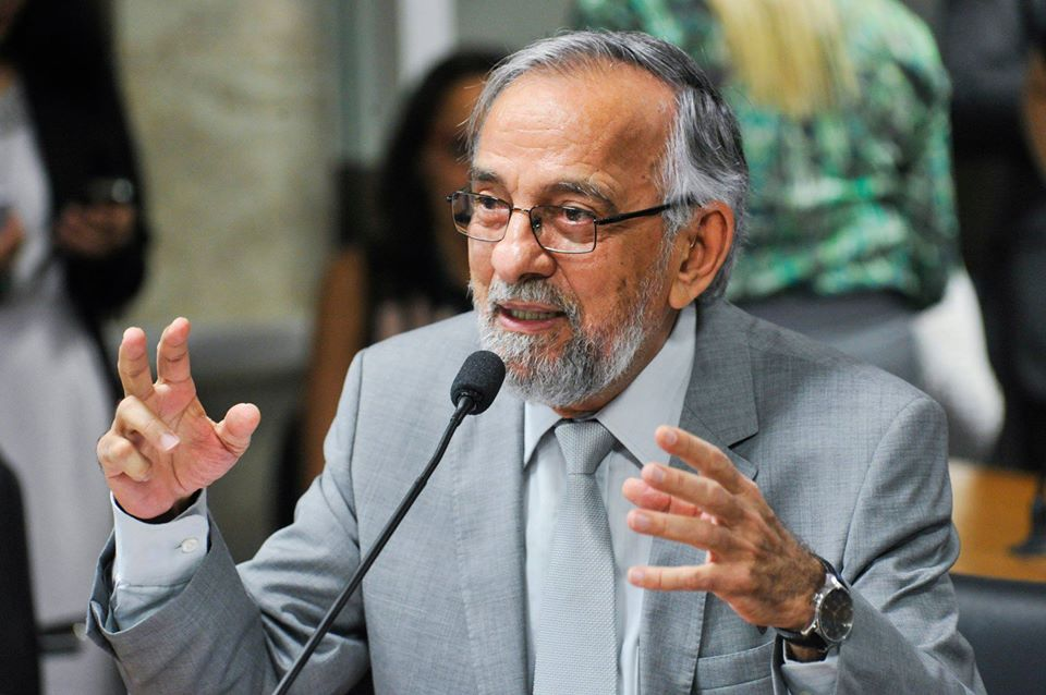 Capiberibe oficializa pré-candidatura a prefeito de Macapá